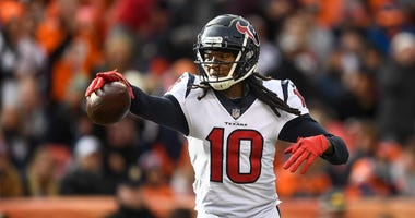 DeAndre Hopkins Slights Former QBs, 'Knows' He's Best WR Over Michael Thomas and Julio Jones