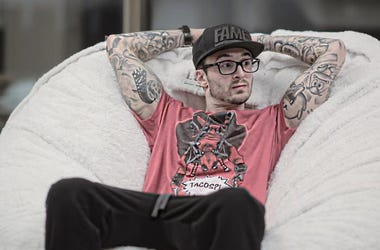 #Hot937HotConvos - Chris Webby Talks New Music With Pete Davidson, Giving Back During The Pandemic, Fred The Godson & More!