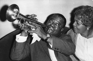 Louis-Armstrong-GettyImages-3297714.jpg